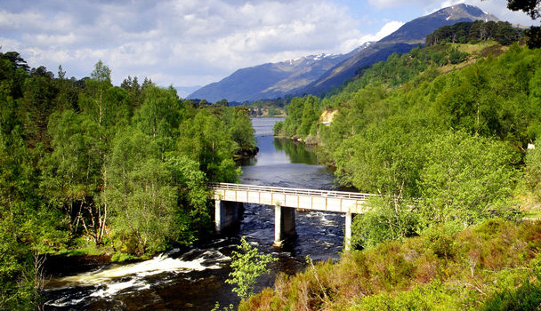 Glen Affric on the Affric Kintail Way