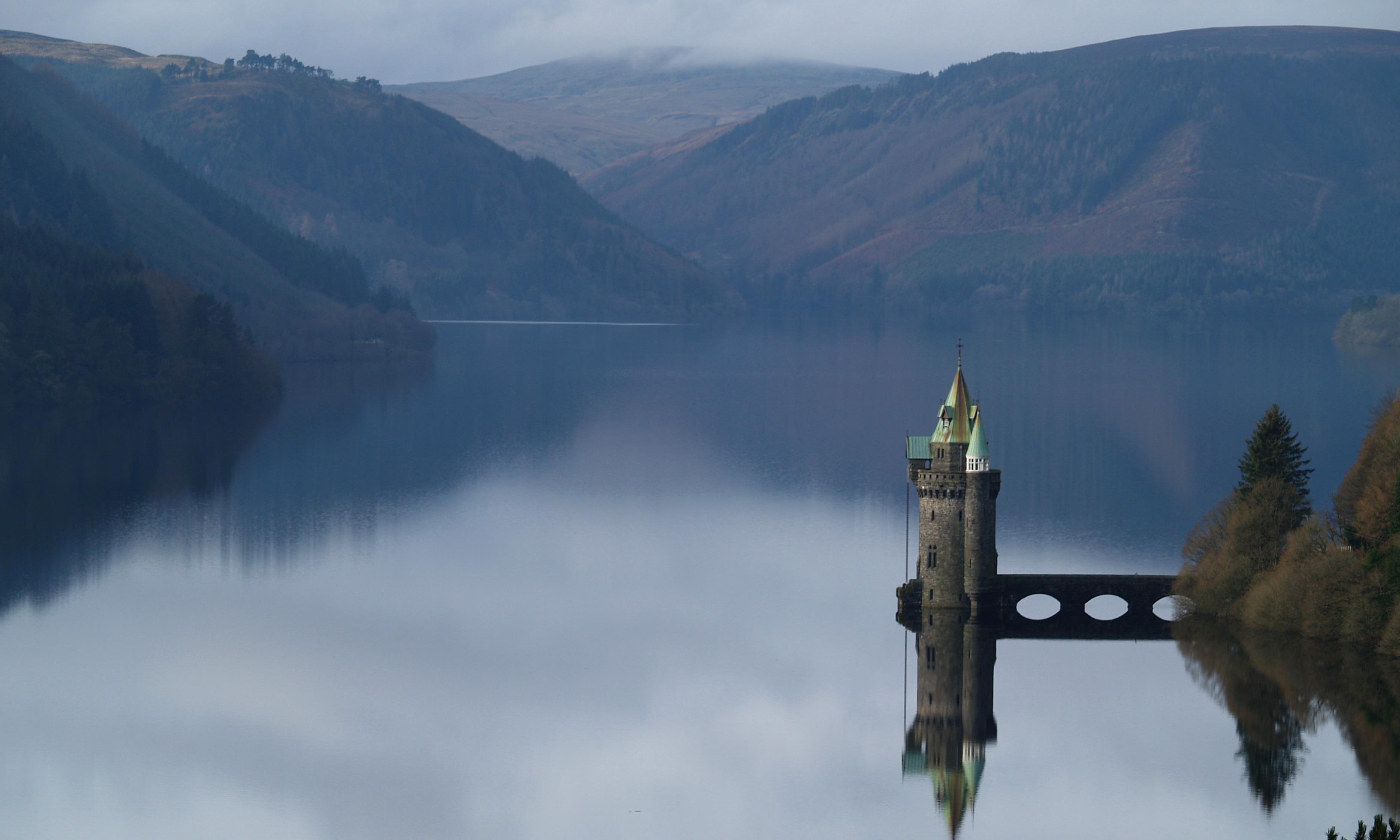 Lake Vyrnwy on Glyndŵr's Way